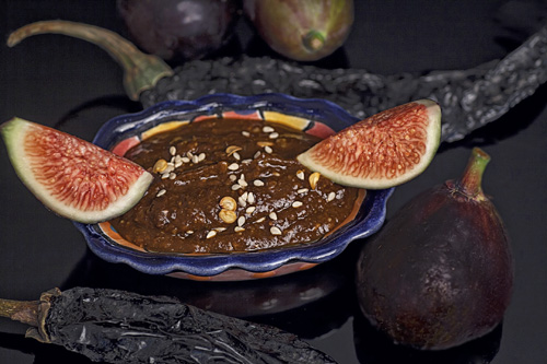 Fig Salsa with Pasilla Pepper and Sesame Seeds